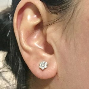 Jewelry - 14k White gold diamond earrings